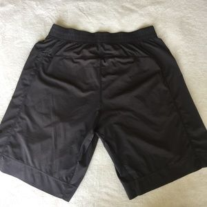 Lululemon Men's Active Shorts - L